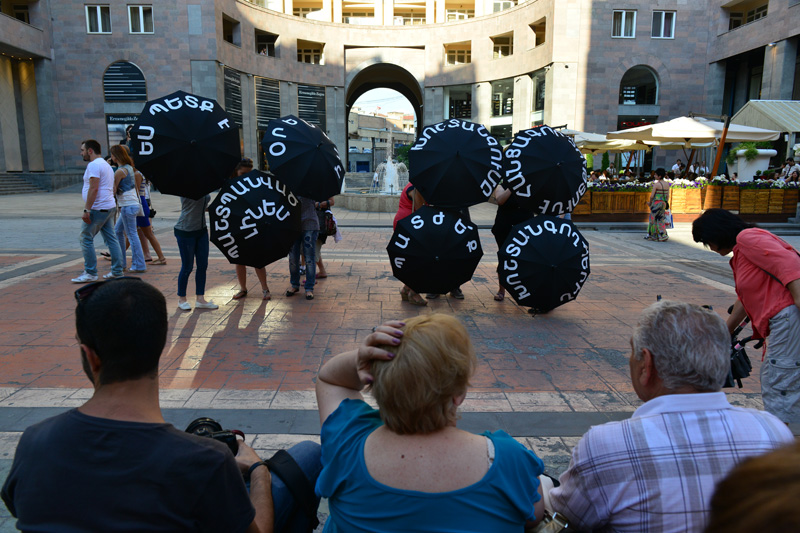 Flash mob on the occasion of the International Day in Support of Victims of Torture/26.06.2013