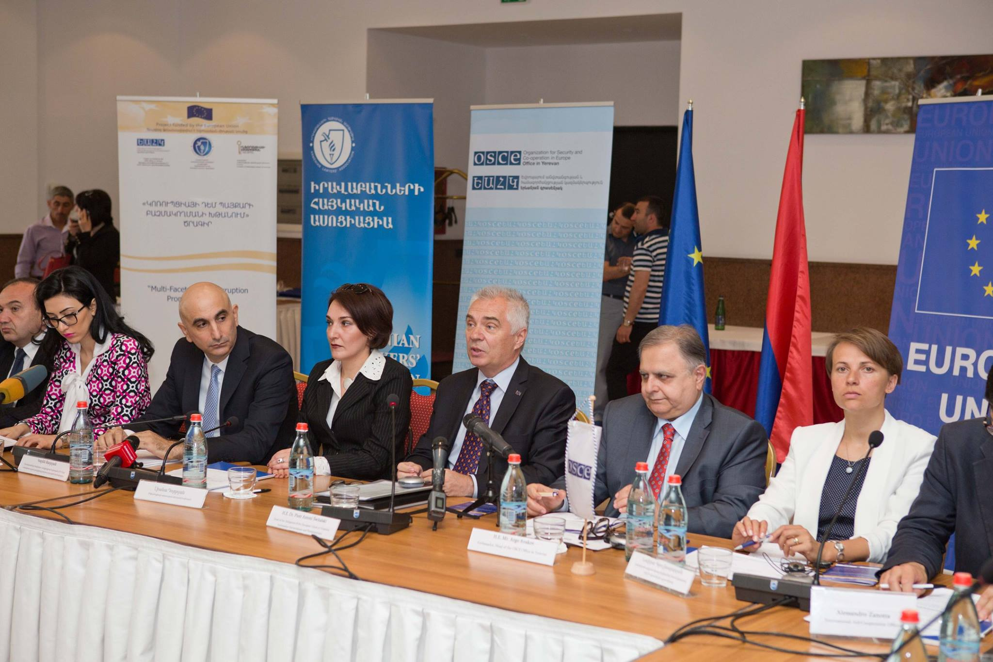 Government and CSOs discussed how to combat corruption in Armenia